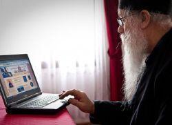 Најпознатији монах на Фејсбуку