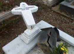 Албански екстремисти поново руше гробља