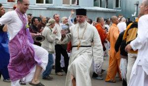 Између вере и религијског шарлатанства