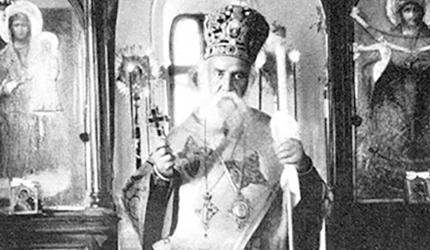 Пасхално чудо: Свети Нектарије служи Литургију